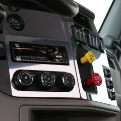Peterbilt 567, 579 Radio and HVAC Trim
