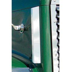 Freightliner FLD 120 Side Hood Deflector