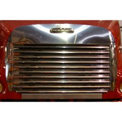 Freightliner Hoodshield & Grill Surround 2005+