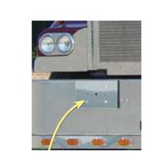 Kenworth W900 Single Plate Holder and Tow Pin Cover